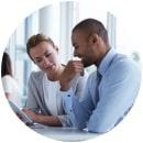 Obtenga una protección avanzada con un antivirus para empresas y Administración de parches.